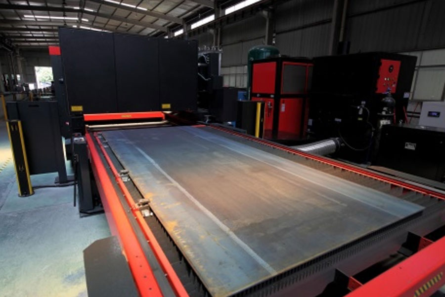 Which is more cost-effective for 6000w and 12000w fiber laser cutting machine equipment